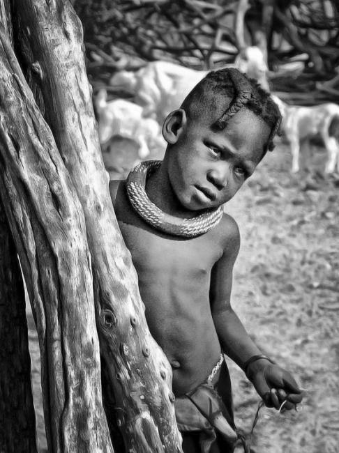 Himba niña