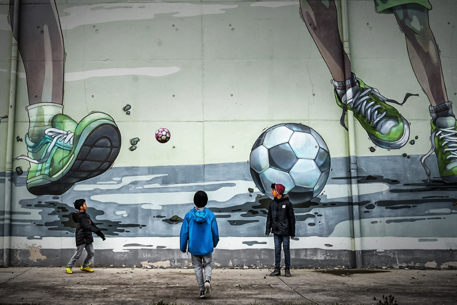 Jugar al futbol en invierno-