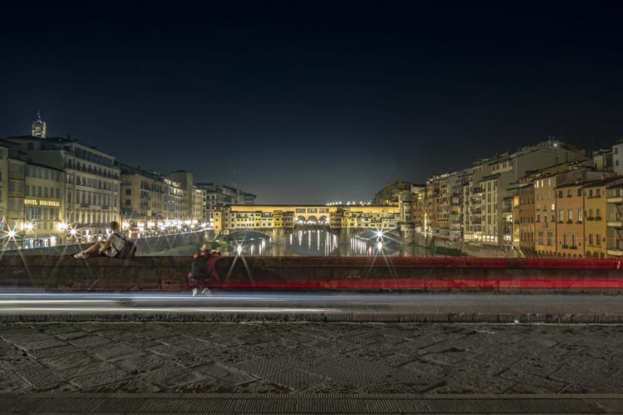 Frente el Ponte Vecchio
