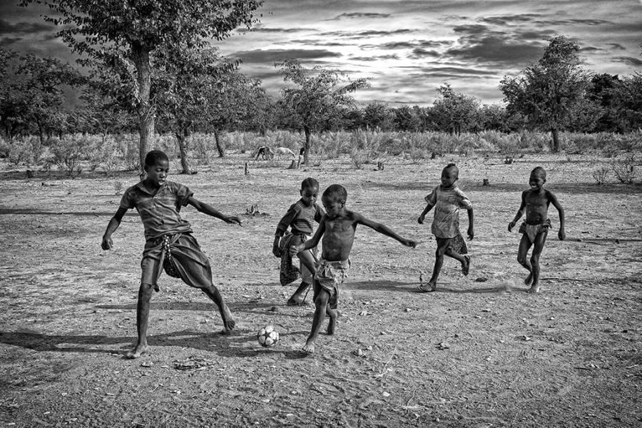 Juego de pelota en Äfrica