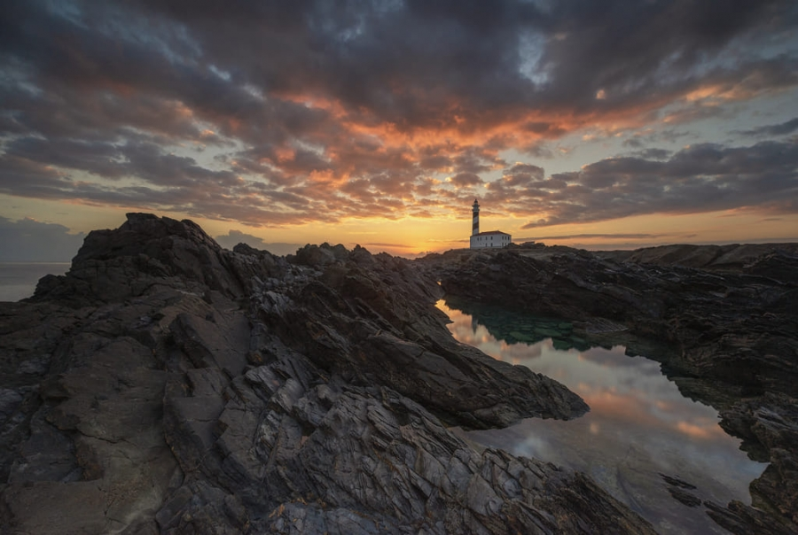 The lighthouse (2)