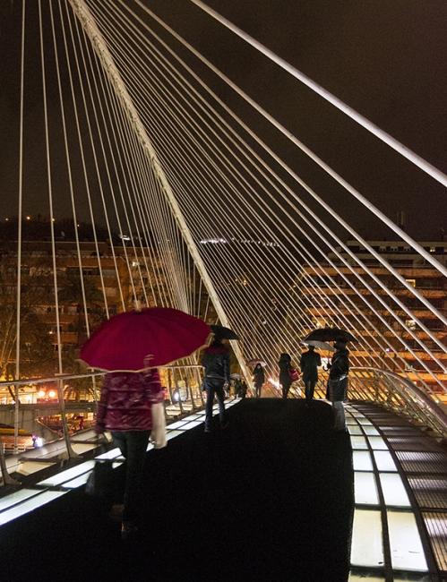 Lluvia sobre el puente