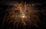 Esferas de fuego y plata