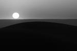 Construcción geométrica. Sol naciente en el desierto